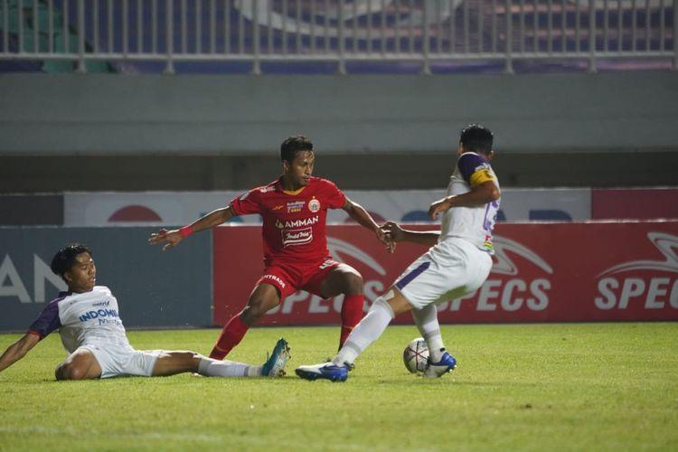 Pertandingan pekan kelima Liga 1 2021-2022 antara Persija Jakarta dan Persita Tangerang di Stadion Pakansari, Bogor, Selasa (28/9/2021) malam WIB.