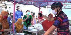 Bantu PKL Hadapi PPKM, Ganjar Borong Dagangan Mereka untuk Dibagikan ke Warga