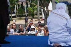 Pertama Kalinya Hukuman Cambuk di Banda Aceh Digelar di Luar Pekarangan Masjid, Ini Alasannya