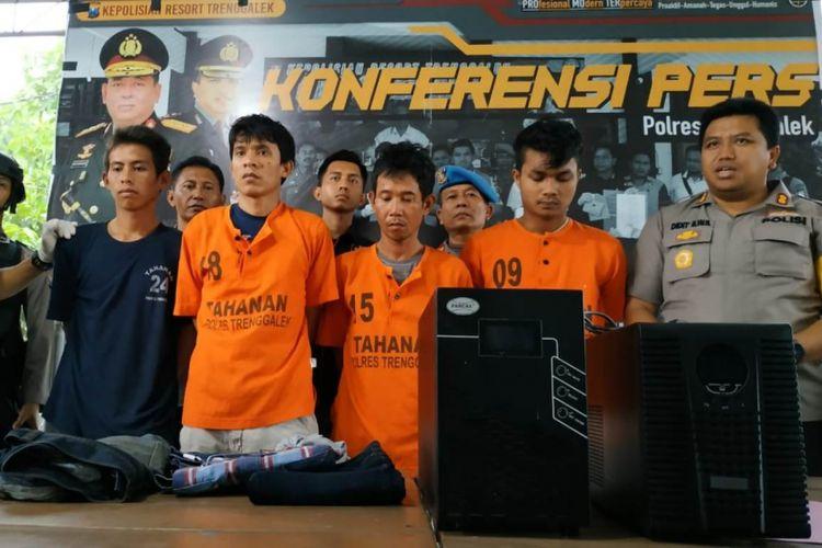 Empat pelaku perusak dan pembobol mesin ATM yang tertangkap di Boyolali beberapa waktu lalu, sudah berada di mapolres Trenggalek Jawa Timur (06/02/2019)