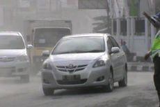 Hujan Abu Merapi, Ribuan Masker Dibagi Gratis di Boyolali