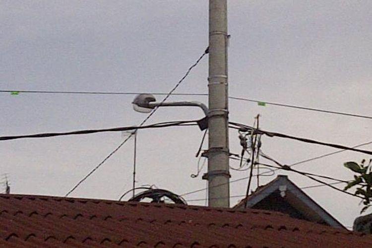 Ilustrasi tiang listrik