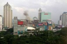 Plaza Semanggi Terbakar, Pengunjung Berhamburan Keluar Gedung