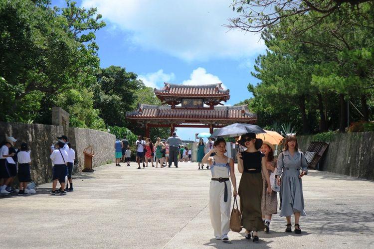 Gerbang obyek wisata Shurijo Castle Park, Okinawa, Jepang, Jumat (29/6/2018).