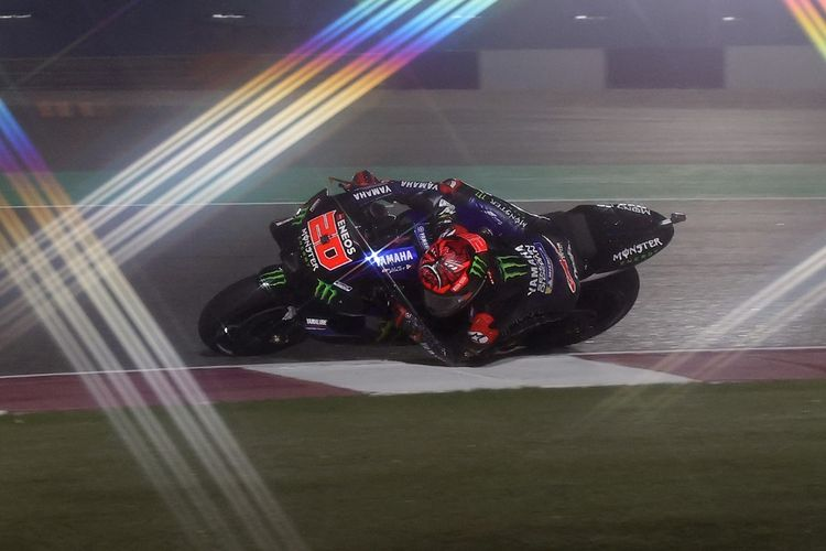 Monster Energy Yamaha MotoGP's French rider Fabio Quartararo rides during the second free practice session ahead of the Moto GP Grand Prix of Doha at the Losail International Circuit, in the city of Lusail on April 2, 2021. (Photo by KARIM JAAFAR / AFP)
