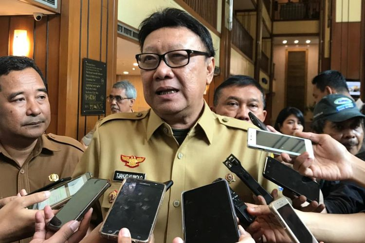 Menteri Dalam Negeri (Mendagri) Tjahjo Kumolo saat ditemui di Hotel Redtop, Gambir, Jakarta Pusat, Selasa (6/11/2018).