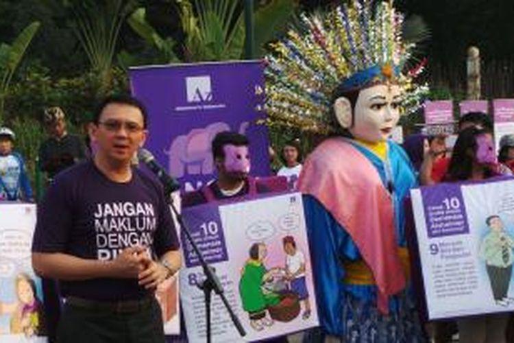Gubernur DKI Jakarta Basuki Tjahaja Purnama saat menghadiri acara Jalan Sehat
