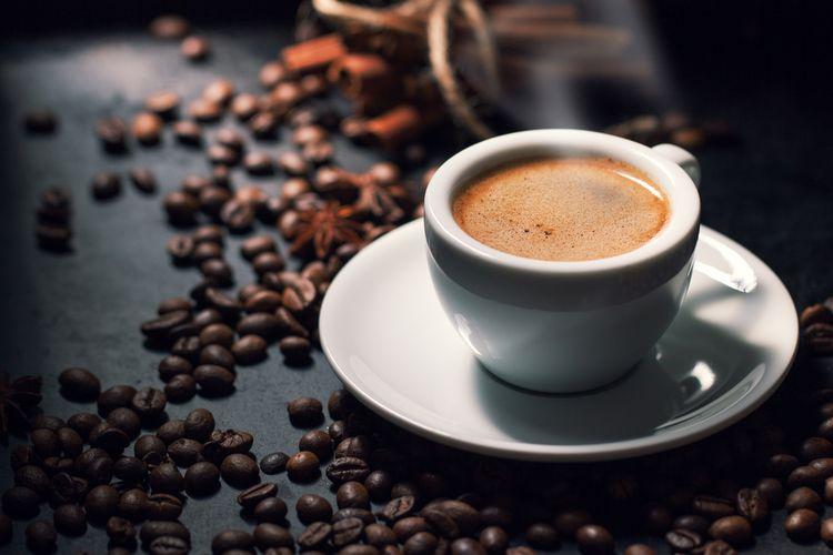 Ilustrasi espresso yang biasanya diseruput saat sarapan.