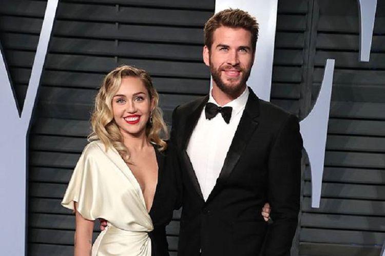 Pasangan Miley Cyrus dan Liam Hemsworth.
