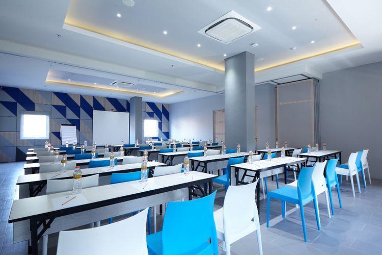 Meeting room di Ibis Budget Cirebon yang dapat menampung hingga 80 orang.