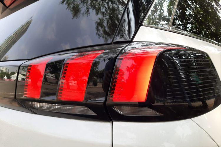 Lampu belakang Peugeot 5008
