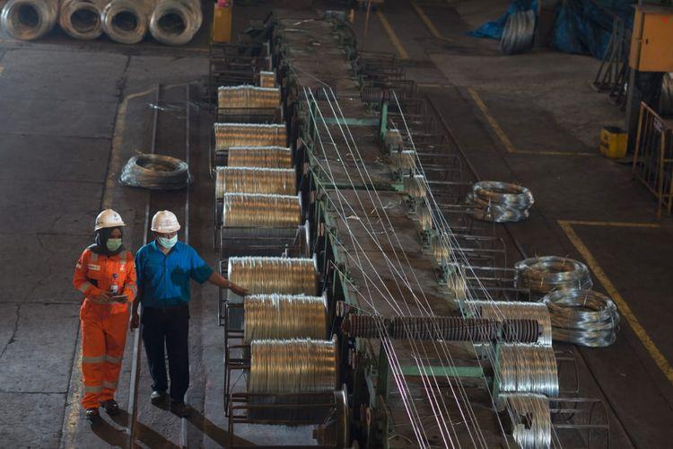 Ilustrasi aktivitas di sektor industri.