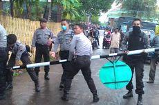 Dibongkar, Portal Padepokan Dimas Kanjeng yang Tutup Jalan Umum