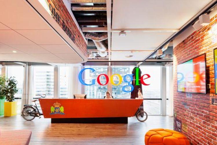 Tampilan kantor Google di Amsterdam, Belanda. Sama sepetri kantor Google lainnya, kantor ini juga bermandikan cahaya matahari dan penuh warna.