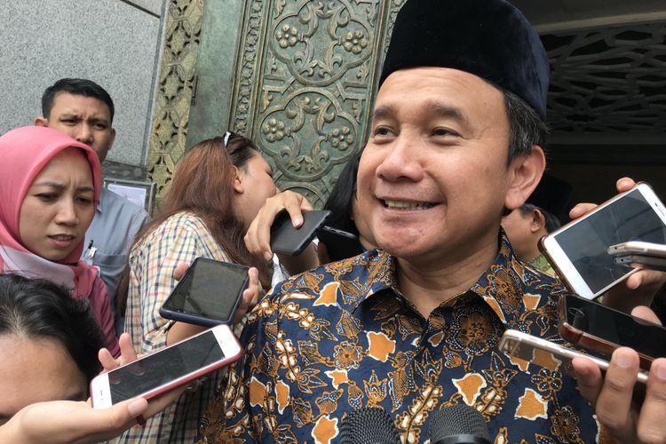 Deputi Gubernur Senior Bank Indonesia (BI) Mirza Adityaswara di Jakarta Pusat, Jumat (7/12/2018)