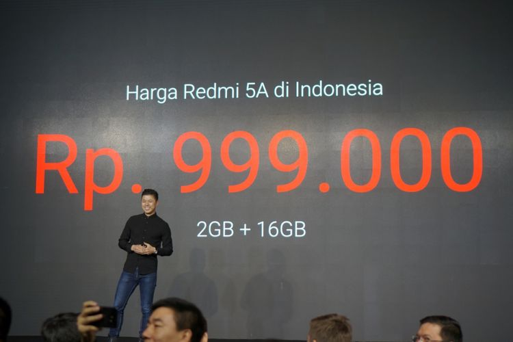 Director Product Management and Marketing Xiaomi Global, Donovan Sung mengumumkan harga Xiaomi Redmi 5A Rp 999.000 di Indonesia.