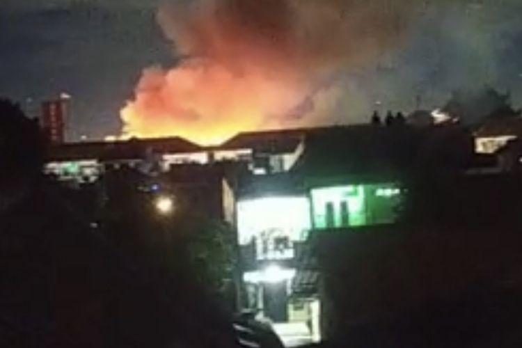 Asrama Markas Komando Brigade Mobil (Mako Brimob) Kelapa Dua, Cimanggis, Kota Depok, Jawa Barat terbakar pada Minggu (20/12/2020) malam.
