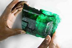 Zamrud Langka 5.655 Karat dan Berbobot 1,1 Kg Ditemukan di Zambia