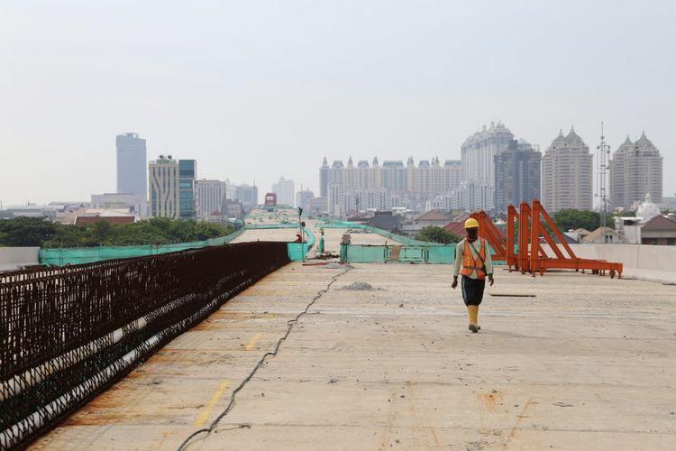 Progres pekerjaan Tol Layang Dalam Kota Jakarta Seksi A Kelapa Gading-Pulogebang Sudan mencapai 71 persen, Kamis (15/10/2020).