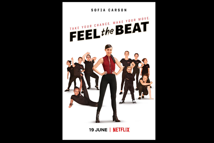 Sofia Carson berperan sebagai penari muda berbakat, April Dibrina, dalam film Feel the Beat (2020).