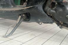 Dampak Buruk Parkir Motor Pakai Standar Samping