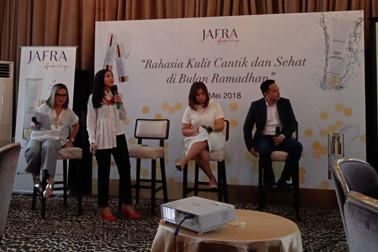 Dermatolog dr. Weny Yulisandrarini S. Ked saat menyampaikan paparannya dalam talkshow bersama Jafra di bilangan Kebayoran Baru, Jakarta Selatan, Rabu (23/5/2018).