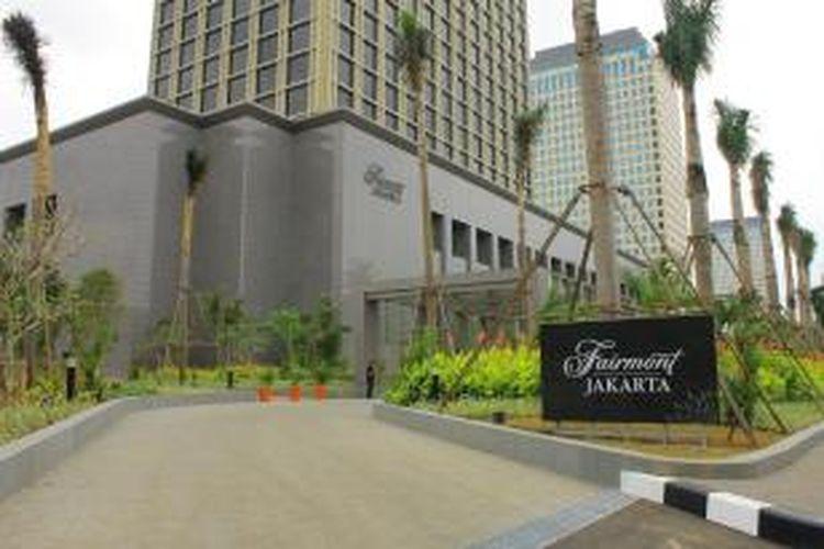 Kondisi lanskap Hotel Fairmont Jakarta yang berada di dalam area pengembangan Senayan Square. Gambar diambil Rabu (21/1/2015) dari Jalan Asia Afrika, Jakarta Pusat.