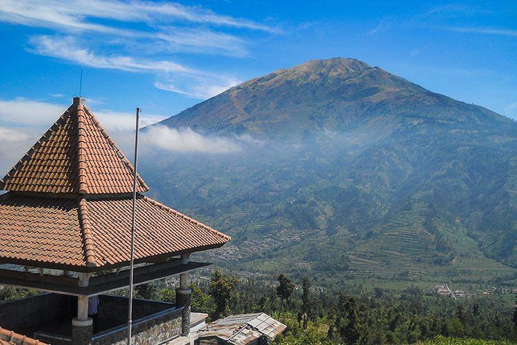 Gunung Merbabu Dilihat dari New Selo, Boyolali