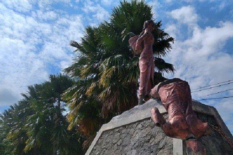 Penampakan patung tugu tani di Wonomulyo Polman