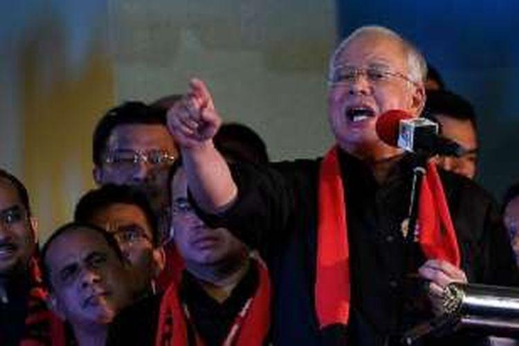 PM Malaysia Najib Razak berpidato di depan pengungsi Muslim Rohingya di Kuala Lumpur dan menuding Myanmar telah melakukan pembersihan etnis atas kelompok minoritas Rohingya.