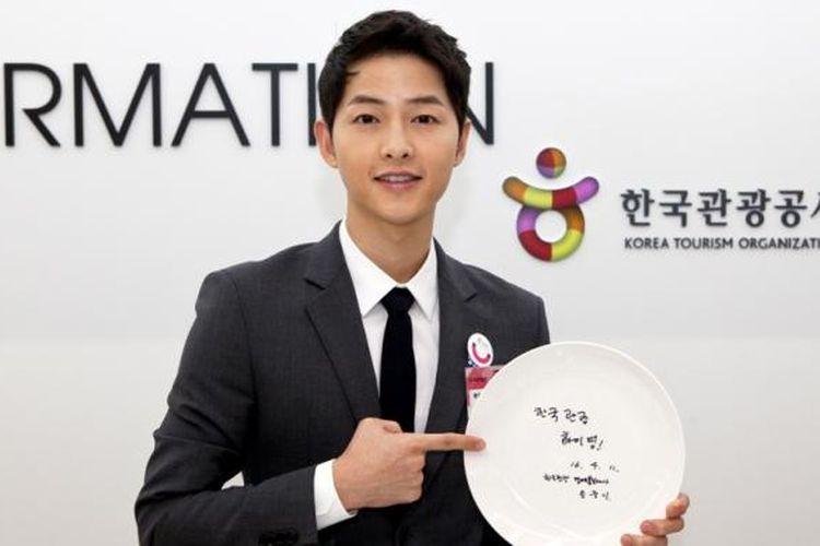 Song Joong Ki, aktor dalam drama seri The Descendant of the Sun, ditunjuk sebagai Duta Kehormatan Pariwisata Korsel.