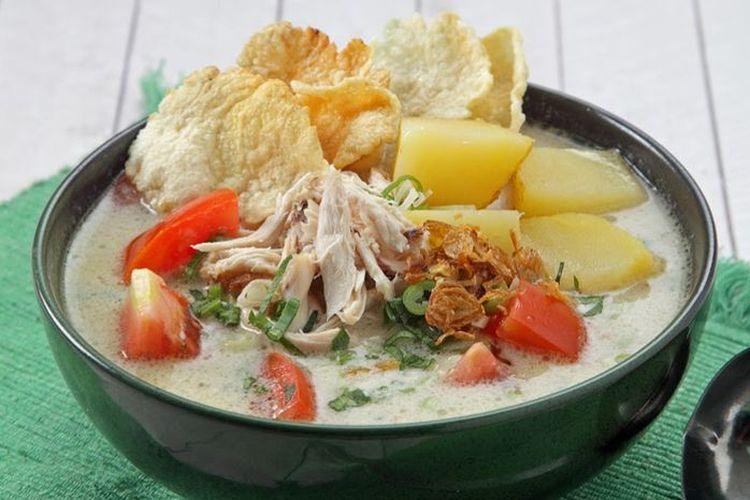 Ilustrasi soto ayam santan bersama bahan pelengkap ala Sajian Sedap.