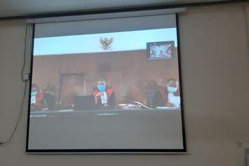 Physical Distancing karena Corona, Pelaku Illegal Logging Disidang Online