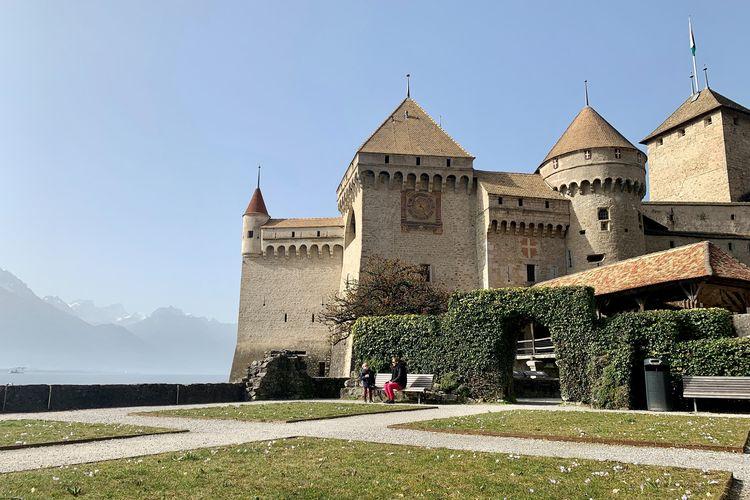 Taman di tempat wisata bernama Kastil Chillon, Swiss (Facebook Chateau de Chillon).