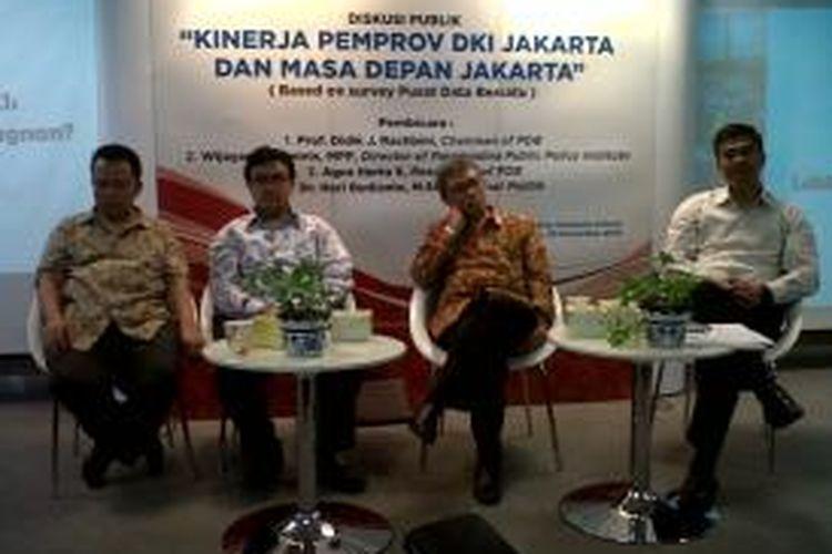 (Kiri-kanan) Ridwan Dalimunthe (pendiri PDB), Agus Herta (peneliti PDB), Didik J Rachbini (Ketua dan pendiri PDB ), dan Wijayanto Samirin (Deputi Rektor Bidang Kerja Sama dan Pengembangan Bisnis Universitas Paramadina) dalam diskusi