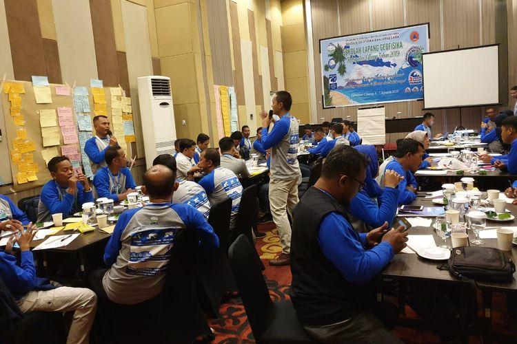 Suasana kegiatan Sekolah Lapang Gempa Bumi yang digelar BMKG di Fave Hotel Cilacap, Rabu (4/9/2019).