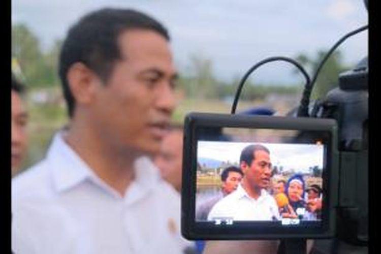 Menteri Pertanian Andi Amran Sulaiman dalam kunjungan kerja di Kota Manado, Sulawesi Utara (Sulut), Rabu (27/5/2015).