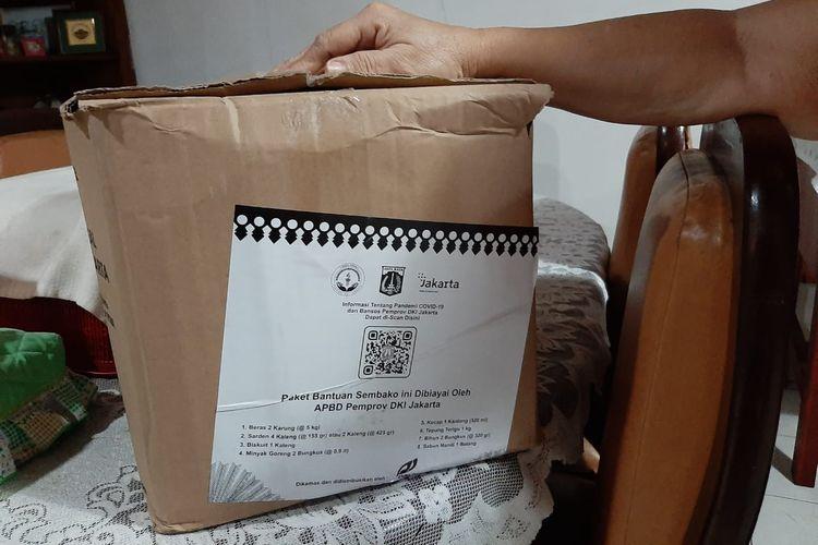 Merasa Salah Sasaran, Warga Pasar Rebo Kaget Dapat Paket Bansos Pemprov DKI