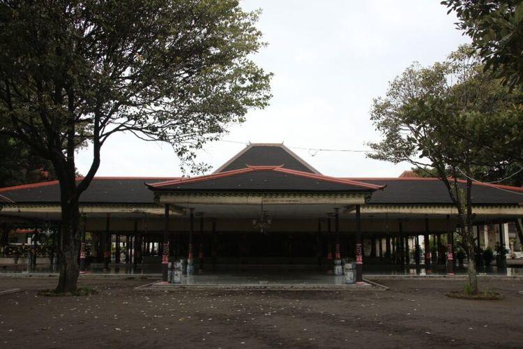Rumah Adat Bangsal Kencono Yogyakarta