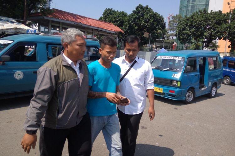 Razia preman yang digelar Polresta Depok di Terminal Depok di Jalan Margonda, Rabu (26/7/2017) siang. Razia digelar dalam rangka Operasi Pekat Jaya.