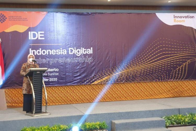 Menteri Tenaga Kerja Ida Fauziah saat menghadiri acara Indonesia Digital Entrepreneurship (IDE) Summit di salah satu hotel di Kota Mojokerto, Jawa Timur.