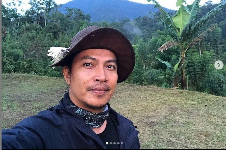 Gede Robi Supriyanto atau yang lebih dikenal sebagai Robi Navicula