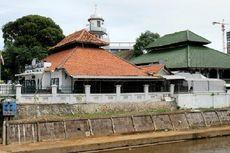 Masjid Jami Al-Makmur, Wakaf Raden Saleh di Pinggir Ciliwung