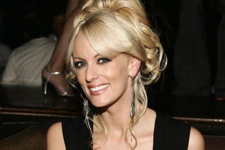 Stormy Daniels, bintang film porno yang mengaku sudah lama menjalin hubungan dengan Presiden Donald Trump.