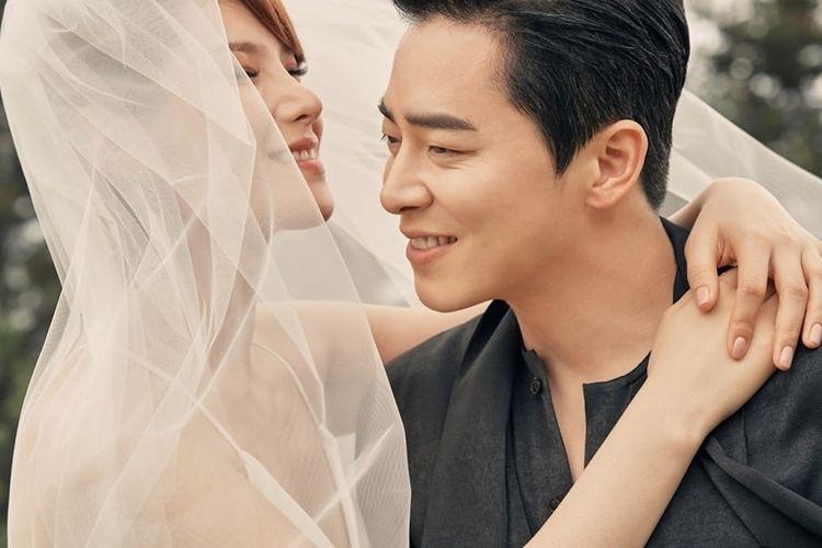 Pasangan pesohor Korea Selatan Gummy (kiri) dan Jo Jung Suk.