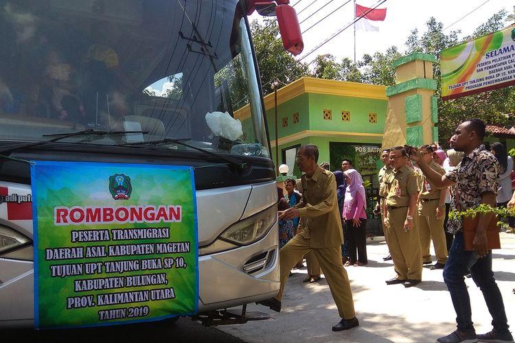Berangkatkan transmigran ke Kabupaten Bulungan Kalimantan Utara, Bupati Magetan mengklaim warga Magetan banyak yang berhasil menjadi petani sayur.