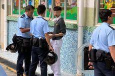 Video Ungkap Detik-detik Polisi Hong Kong Tangkap Pelajar di Taman Bermain