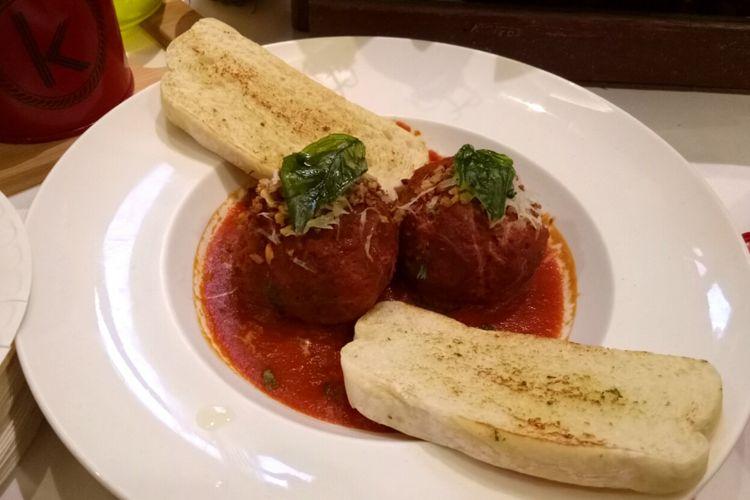 Italian meatball atau bakso ala Italia, yang ada dalam Festival Kuliner Dunia Plaza Indonesia, dari gerai Kitchenette, selama November 2017.