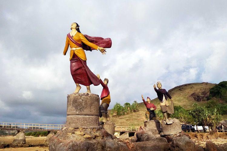 Patung peringatan Putri Mandalika.
