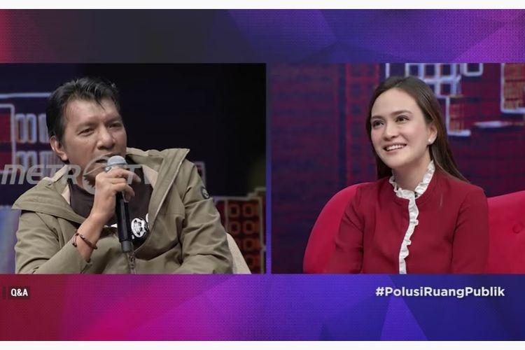 Sutradara John De Rantau dan artis peran Shandy Aulia dalam acara Q&A di Metro TV.